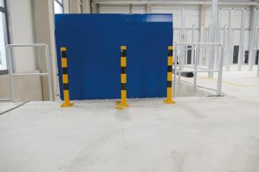 Removable Steel Tube Bollards with Welded Steel Cap