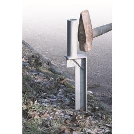 Chain stanchion in metal with spear