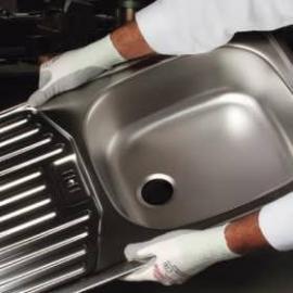 KCL's CAMAPUR Dyneema® 620. Monterings-handske av vit Dyneema, belagd med PU i innerhand och fingertoppar