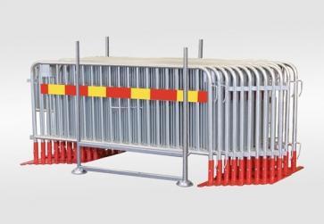 Kravallstaket med plattfot och reflex - Paket i transportkorg (57,5m)
