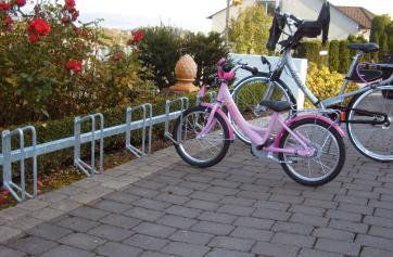 Bicycle rack – serial parking