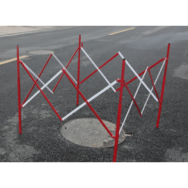 Collapsible Utility/Manhole barrier in steel (1.3x1.3m)